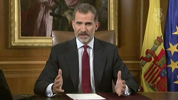 In this image taken from video released by Spanish Royal Palace, Spain's King Felipe VI delivers a speech on television from Zarzuela Palace in Madrid, Tuesday, Oct. 3, 2017. - Sputnik International
