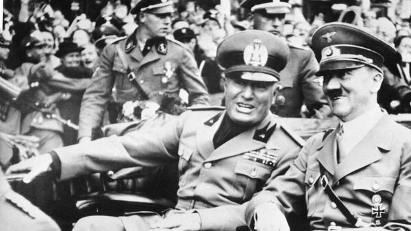 FILE - File photo dated Sept. 28, 1938 showing Italian dictator Benito Mussolini, at left in foreground, and Nazi leader Adolf Hitler, at right, taken just before the four power conference in Munich, Germany - Sputnik International