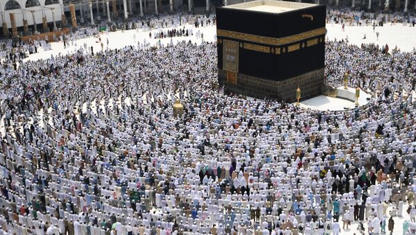 Pilgrims during hajj stand for prayer around the Kaaba at the Al-Masjid al-Haram mosque in Mecca. (File) - Sputnik International