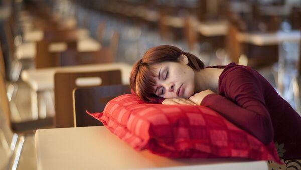 Sleeping woman - Sputnik International