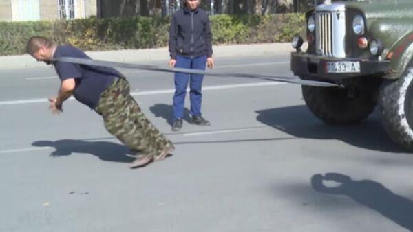 Strongman From Kyrgyzstan - Sputnik International