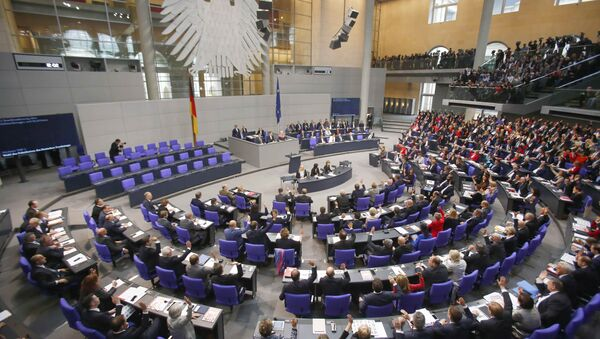 Delegates vote during the first plenary session at the German lower house of Parliament, Bundestag, after a general election in Berlin, Germany, October 24, 2017. - Sputnik International