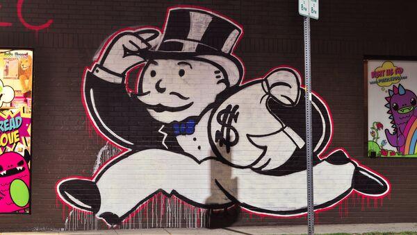 Alec - Mr. Money Bags - Sputnik International
