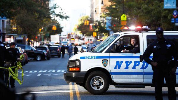 Police block off the street after a shooting incident in New York City, U.S. October 31, 2017. - Sputnik International