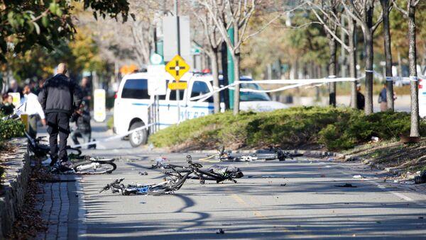 Multiple bikes are crushed along a bike path in lower Manhattan in New York, NY, U.S., October 31, 2017. - Sputnik International