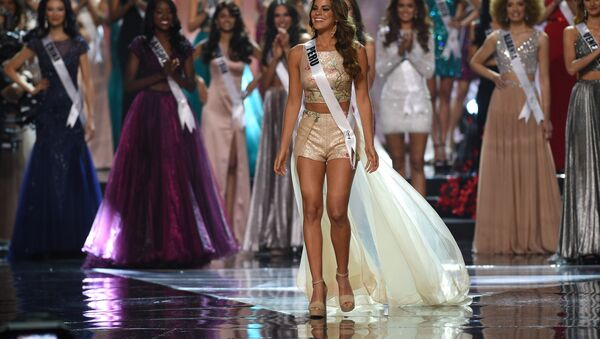 Miss Universe candidate Valeria Piazza of Peru walks on stage during the finals of the Miss Universe at the Mall of Asia Arena in Manila on January 30, 2017. - Sputnik International