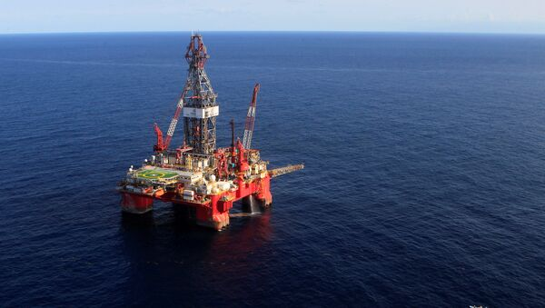 A general view of the Centenario deep-water oil platform in the Gulf of Mexico off the coast of Veracruz, Mexico January 17, 2014 - Sputnik International