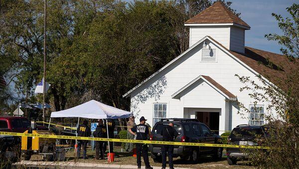 Law enforcement officials investigate a mass shooting at the First Baptist Church in Sutherland Springs, Texas, U.S. November 5, 2017 - Sputnik International