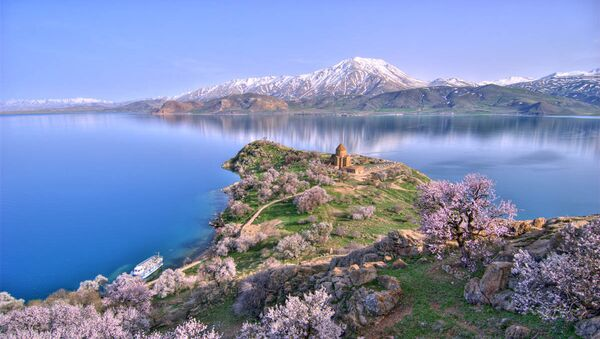 The Akhtamar Island in Lake Van - Sputnik International