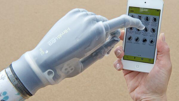 Smartphone controlled bionic hand (i-limb) - Sputnik International