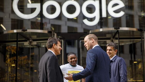 Britain's Prince William, Duke of Cambridge, 2nd right, chats with British entrepeneur Brent Hoberman, left, anti-cyber bullying campaigner James Okulaja, 2nd left, and President of EMEA Business and Operations for Google, Matt Brittin during his visit to launch the national action plan to tackle cyberbullying at the London headquarters of Google and YouTube in King's Cross, London, Thursday, Nov. 16, 2017. - Sputnik International