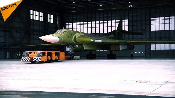 Russia Unveils Its Modernized Tu-160 Bomber - Sputnik International