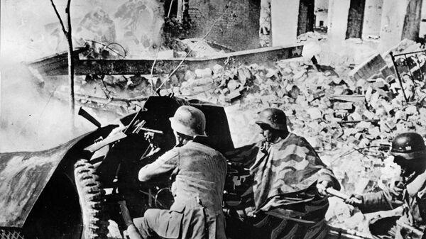 Wehrmacht troops in the ruins of Stalingrad, September 1942 - Sputnik International