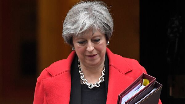 Britain's Prime Minister Theresa May leaves 10 Downing Street in London, November 15, 2017 - Sputnik International