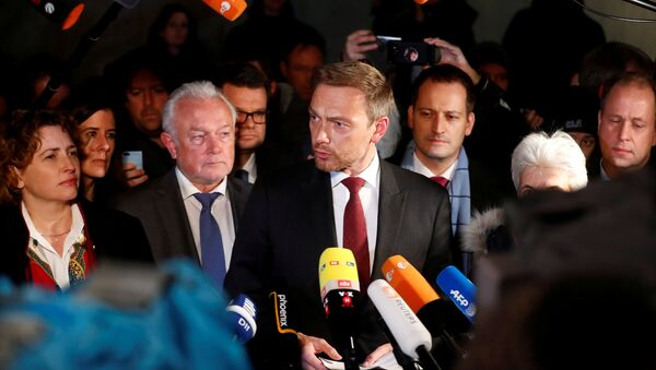 Chairman of the Free Democratic Party (FDP) Christian Lindner, and party members Wolfgang Kubicki and Nicola Beer speak to the press during the exploratory talks about forming a new coalition government in Berlin, Germany, November 19, 2017 - Sputnik International