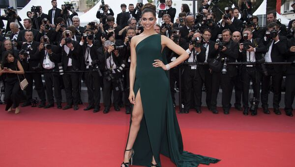 Deepika Padukone poses for photographers upon arrival at the screening of the film Loveless at the 70th international film festival, Cannes, southern France - Sputnik International