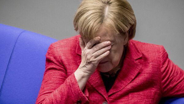 German Chancellor Angela Merkel attends a plenary session of German parliament Bundestag in Berlin, Tuesday, Nov. 21, 2017 - Sputnik International