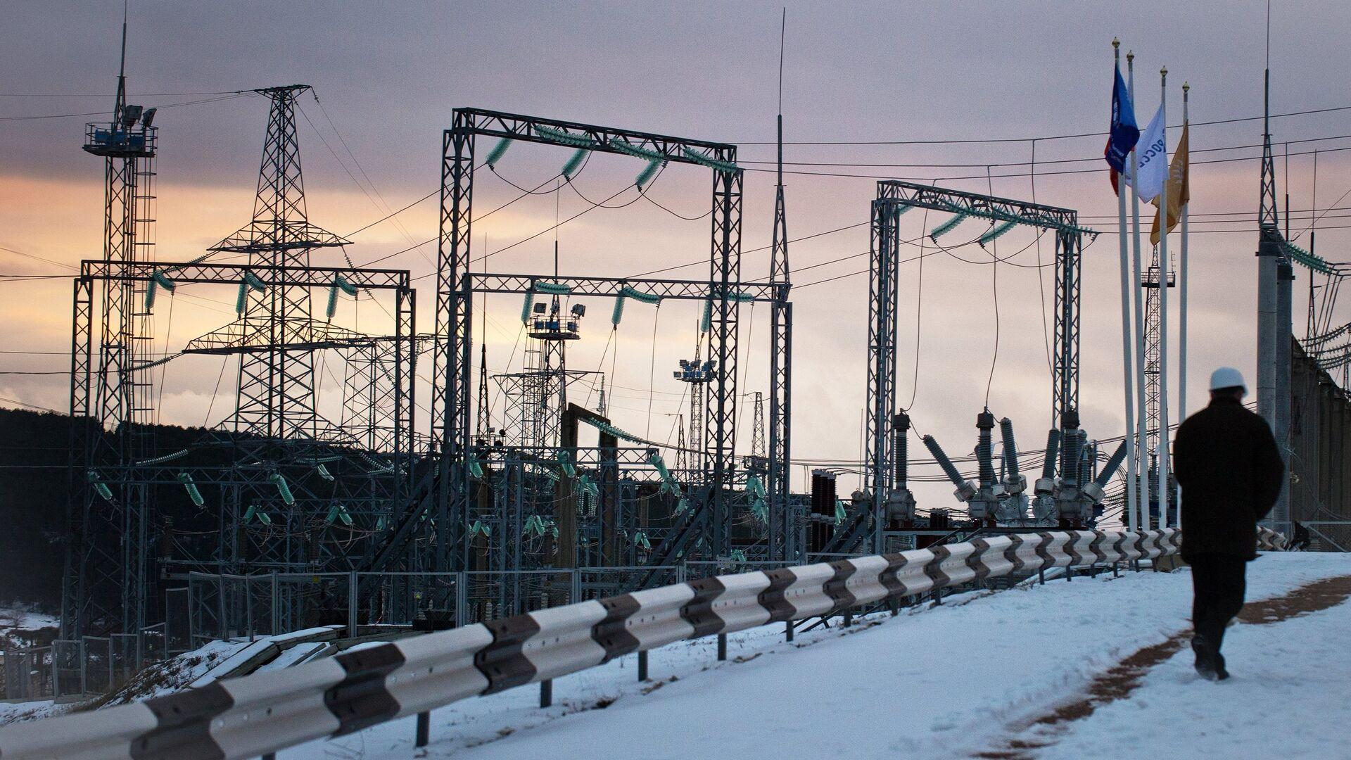Fifteen mobile gas turbine power plants generate power for Crimea - Sputnik International, 1920, 07.09.2021