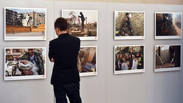 Opening of exhibiton, Syria: Photo Chronicles of War, in Strasbourg - Sputnik International