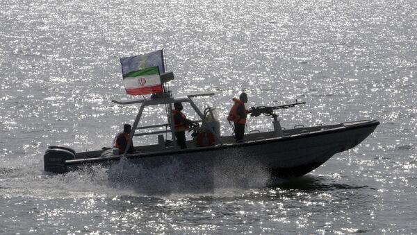 an Iranian Revolutionary Guard speedboat - Sputnik International