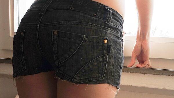 A woman wearing shorts - Sputnik International