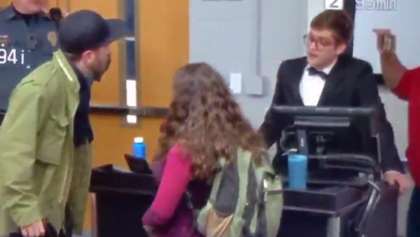 Lucian Wintrich gets arrested after grabbing UConn student - Sputnik International
