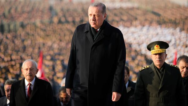 Turkish President Tayyip Erdogan attends a ceremony as he is flanked by top officials and army officers at the mausoleum of Mustafa Kemal Ataturk, marking Ataturk's death anniversary, in Ankara, Turkey November 10, 2017. - Sputnik International