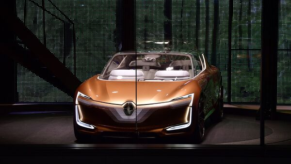Renault prototype Symbioz is presented during its world premiere during a show on stage at the Renault stand at the Frankfurt Motor Show IAA in Frankfurt am Main, western Germany - Sputnik International