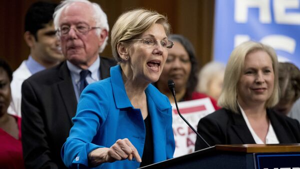 Sen. Elizabeth Warren and Sen. Kirsten Gillibrand - Sputnik International