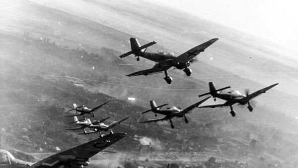 Ju 87s in attack formation on the Eastern Front. - Sputnik International