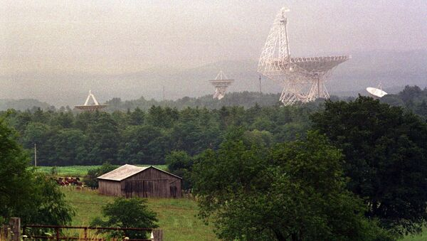 The Robert C Byrd radio telescope and its companions collect radio waves and use them to study galaxies, pulsars, planets, asteroids and forming stars - Sputnik International