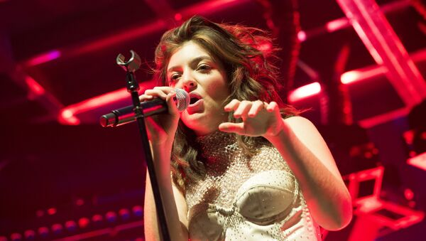 Singer Lorde performs at the Coachella Valley Music And Arts Festival on April 16, 2017 in Indio, California - Sputnik International
