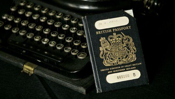 The traditional British passport. - Sputnik International
