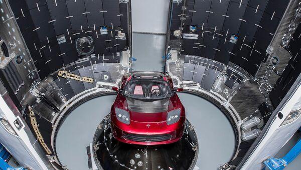 Tesla Roadster - Sputnik International