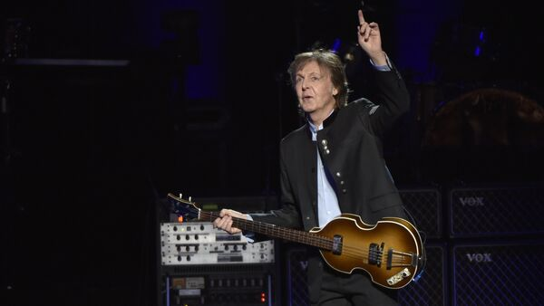 Paul McCartney performs on the One on One Tour at the Hollywood Casino Amphitheatre on Wednesday, July 26, 2017, in Tinley Park, IL. - Sputnik International