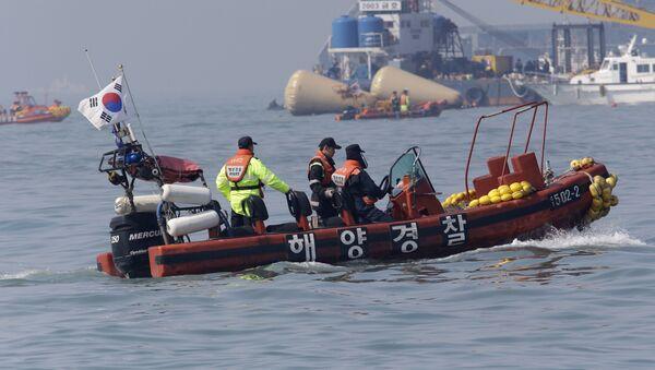 South Korean Coast Guard police officers on a boat (File) - Sputnik International