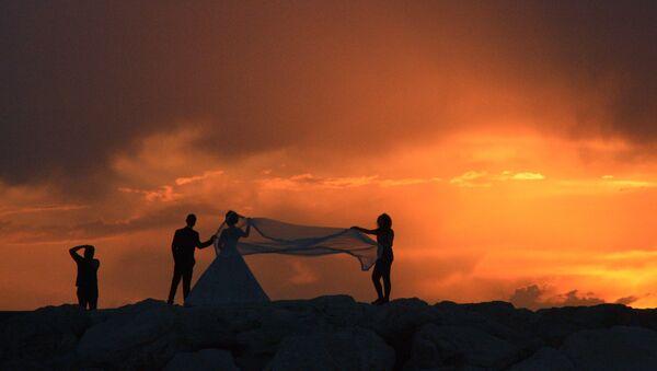 A wedding photo session - Sputnik International