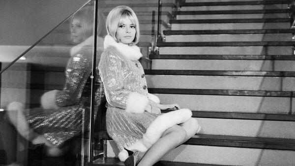 Photo taken on Cecember 1, 1965 shows French singer France Gall during the recording of the television program Soft France - Sputnik International