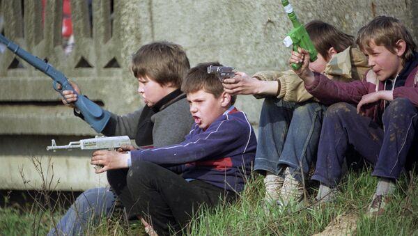 Children playing war. File photo - Sputnik International