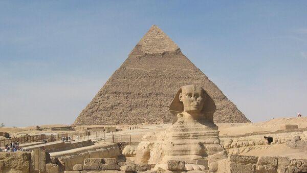 Sphinx and Pyramid of Cheops - Sputnik International