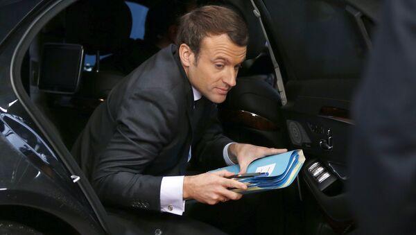 French President Emmanuel Macron arrives for an EU summit at the Europa building in Brussels on Thursday, Dec. 14, 2017 - Sputnik International