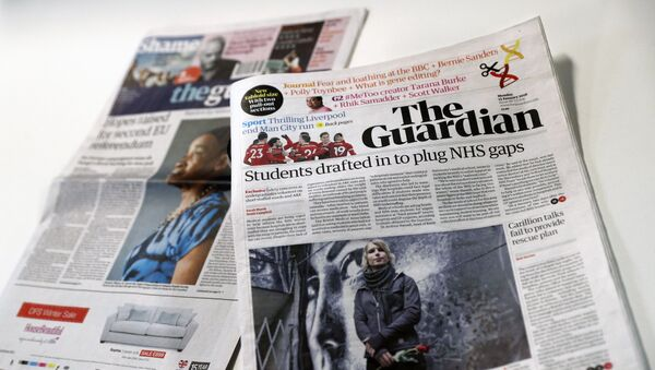 The new look tabloid Guardian is on show next to the old broadsheet version of the national newspaper on January 15, 2018 - Sputnik International