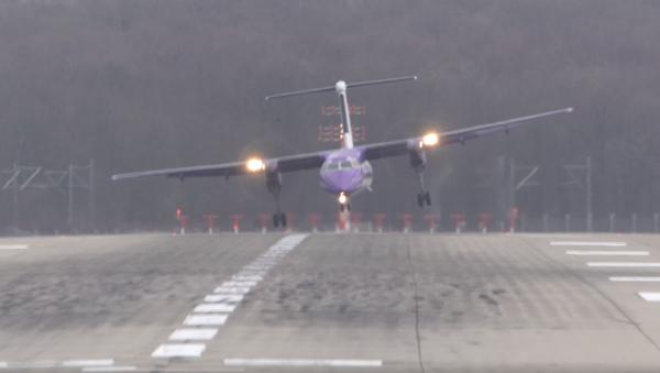 Turboprop Planes Combat Friederike's Extreme Winds at Düsseldorf Airport - Sputnik International