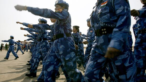 The United Nations' first all-female peacekeeping force of more than 100 Indian policewomen walks upon arrival at Roberts international airport in Monrovia. (File) - Sputnik International
