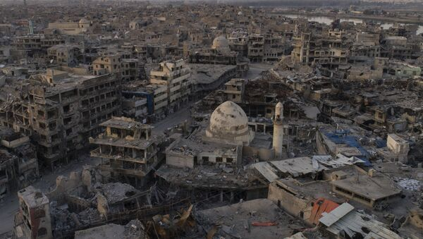 In this Nov. 15, 2017 photo, aerial view of destroyed building and shops in the Old City of Mosul, Iraq - Sputnik International