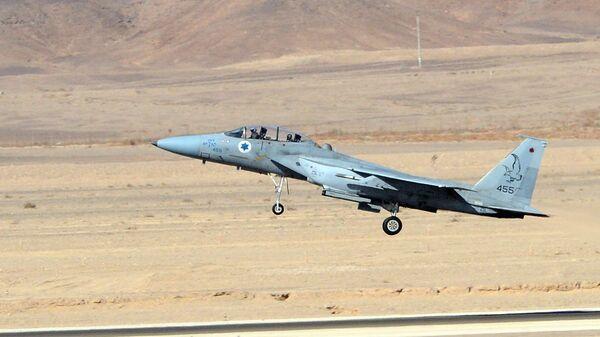 An Israeli Air Force F-15 Eagle fighter plane - Sputnik International