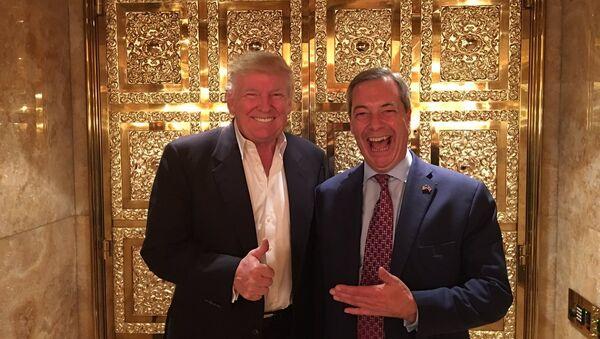 Nigel Farage (R) and Donald Trump - Sputnik International