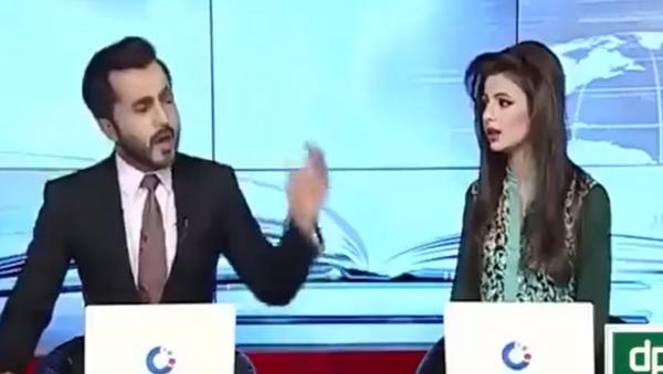 Pakistani news anchors fight - Sputnik International
