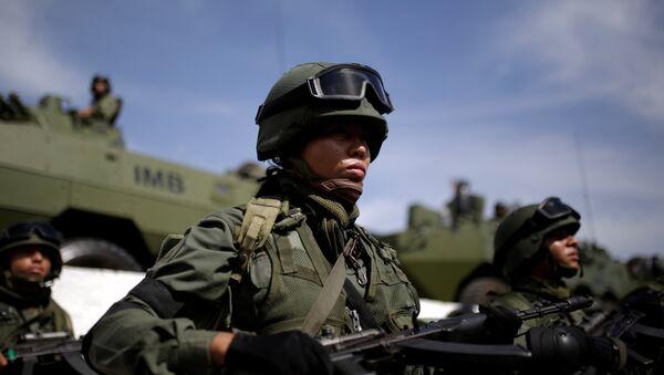 Venezuelan soldiers take part in the Zamora 200 military exercise in La Guaira - Sputnik International