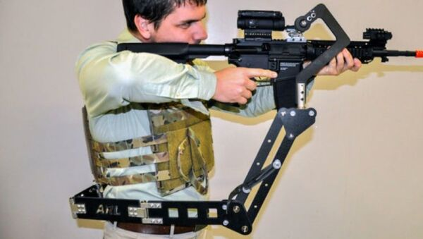 The Third Arm, a prototype mechanical limb designed to carry weapons and armor, courtesy of the US Army Research Lab. - Sputnik International
